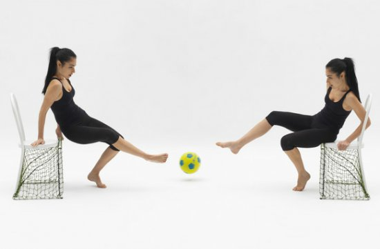 Футбол: стул для игры