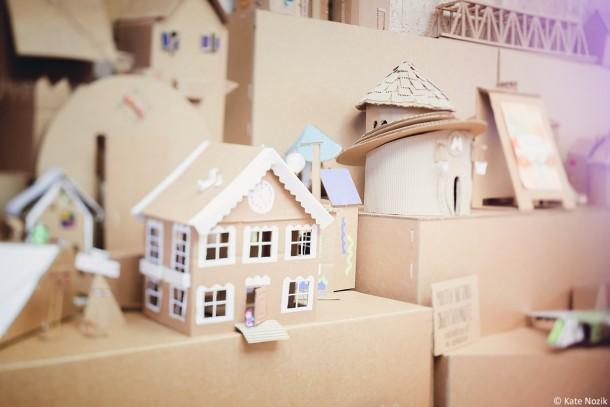miniature-cardboard-town_13996994310_o